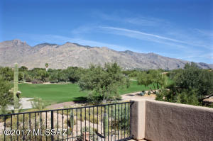 Whether people watching, desert wildlife or serene Catalina Mountain views are your preference, no need to choose here, you have it all!