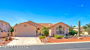 Estancia model in Saddlebrooke with Separate Guest Casita