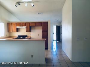 9910 E Gray Hawk Drive, Tucson, AZ 85730