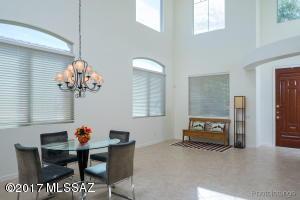 954 W Thornbush Place, Oro Valley, AZ 85755