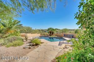 6910 N Camino De Las Candelas, Tucson, AZ 85718