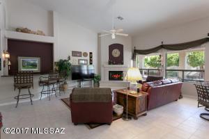 262 W Geeseman Springs Drive, Oro Valley, AZ 85755