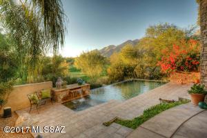 6221 N Whaleback, Tucson, AZ 85750