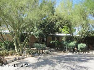 7121 N Pampa Place, Tucson, AZ 85704