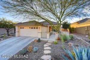 Beautiful and highly upgraded Durango floor plan with multiple bay windows.
