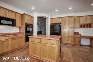 39582 S Sand Crest Drive, Tucson, AZ 85739