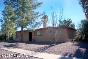 8402 E Beverly Street, Tucson, AZ 85710