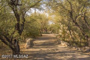 10036 E El Poso Trail, Tucson, AZ 85749