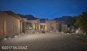A Kevin Howard design that will amaze you inside and out