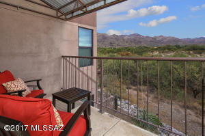 Welcome Home! Relax and enjoy the view!