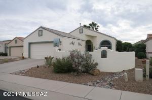561 W Links Lane, Green Valley, AZ 85614