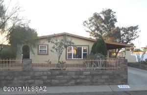 7425 N Shirley Lane, Tucson, AZ 85741