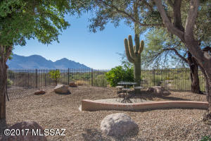 13909 N Desert Butte Drive, Oro Valley, AZ 85755