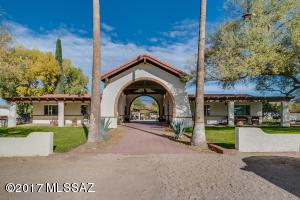 1305 N Spud Rock Place, Tucson, AZ 85749