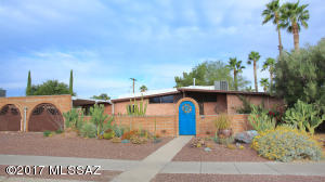 6717 E Calle Betelgeux, Tucson, AZ 85710