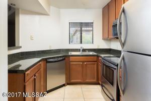 5751 N Kolb Road, 26202, Tucson, AZ 85750