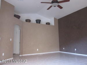 7975 S Wild Primrose Avenue, Tucson, AZ 85747