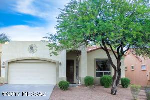 622 W Moorwood Street, Green Valley, AZ 85614