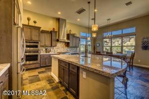 480 W Echo Point Place, Oro Valley, AZ 85755