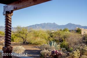 1093 W Placita Novilunio, Green Valley, AZ 85614