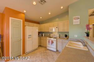 672 W Panorama Vista Drive, Tucson, AZ 85704