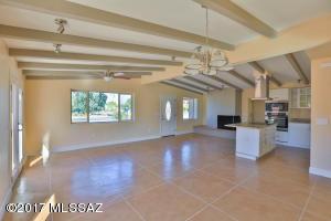 4448 E Glenn Street, Tucson, AZ 85712