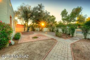 2401 E Elm Street, Tucson, AZ 85719