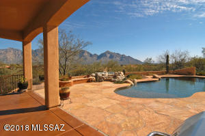 Spectacular Views of Catalinas from patio and pool area