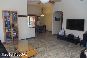 3805 N NASH CREEK Court, Tucson, AZ 85745