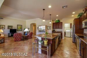 60355 E Arroyo Vista Drive, Oracle, AZ 85623