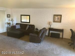 2 W Greenock Drive, 2C, Tucson, AZ 85737