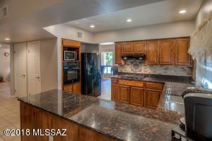 38405 S Apache View Drive, Tucson, AZ 85739
