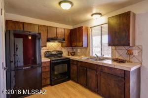 Nice kitchen & great natural light!