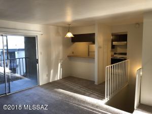 1620 N Wilmot Road, B-307, Tucson, AZ 85712