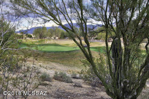 Fabulous Views Golf course and Catalina Mountains