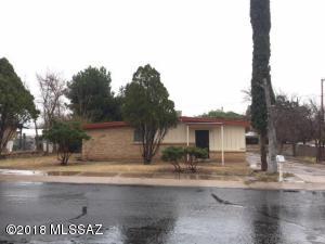 1324 W Camino de la Paloma, Nogales, AZ 85621
