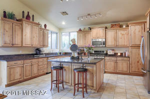 11381 N Twin Spur Court, Oro Valley, AZ 85737