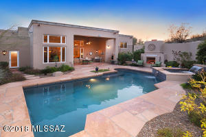 Relax in your resort like backyard, pool/spa, fire place, covered patio.