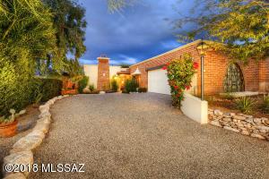 2725 E Avenida De Posada, Tucson, AZ 85718
