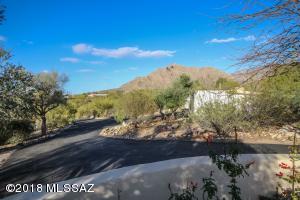 202 E Suffolk Drive, Oro Valley, AZ 85737