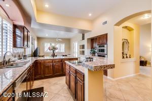 3721 E Calle Del Cacto, Tucson, AZ 85718