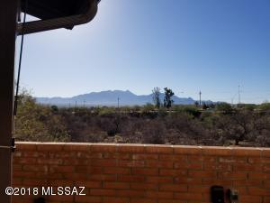 940 S Las Lomas Circle, Green Valley, AZ 85614