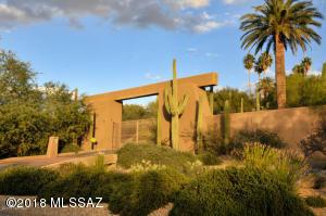 5600 N Via Elena, Tucson, AZ 85718