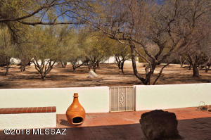 7147 E Sabino Vista Circle, Tucson, AZ 85750