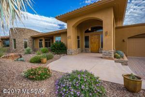 585 W Red Mountain Place, Oro Valley, AZ 85755