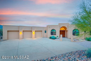 Enjoy magnificent sunsets in Coyote Creek!