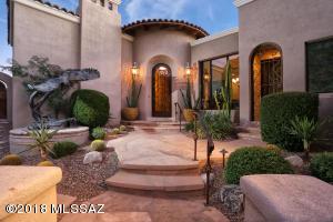 7470 N Secret Canyon Drive, Tucson, AZ 85718