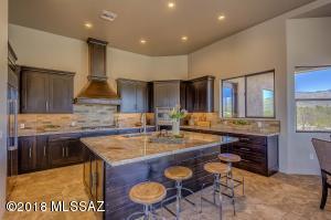 3450 N Larrea Lane, Tucson, AZ 85750