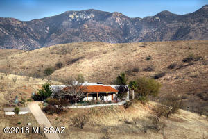 Stunning views and privacy at this property, yet Patagonia is 8 miles east & Nogales 12 miles SW.