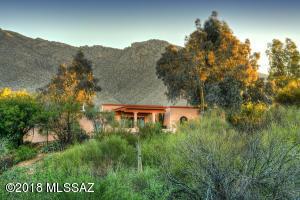 4949 E Camino La Brinca, Tucson, AZ 85718